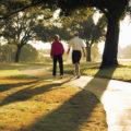 30 minute de mers pe jos zilnic îţi pot schimba viaţa