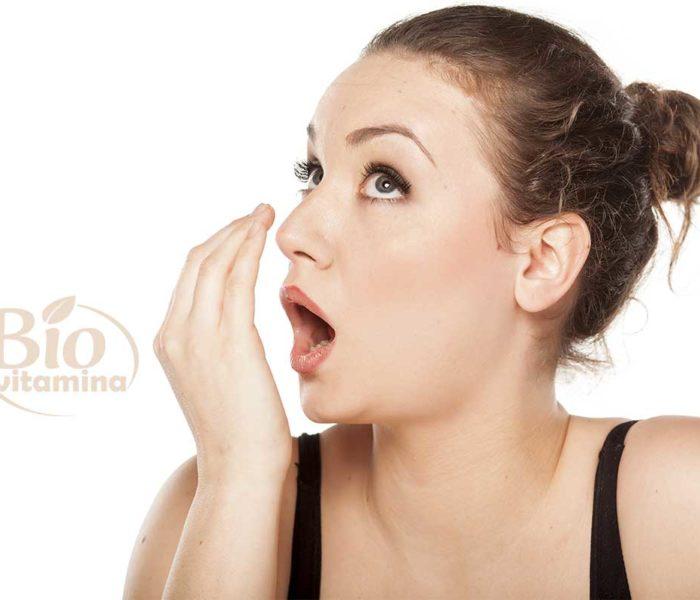 De ce respiraţia miroase urât când te trezeşti; nu are neapărat legătură cu spălatul pe dinţi