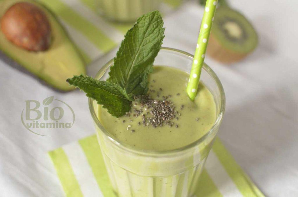 smoothie-spanac-avocado