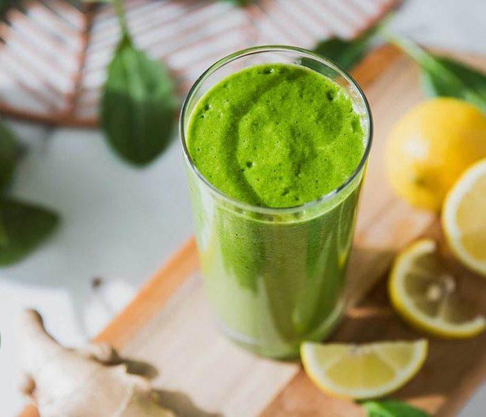 Smoothie verde recomandat în dieta keto