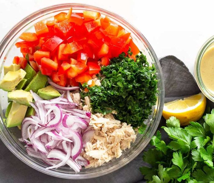Şase salate sănătoase cu avocado