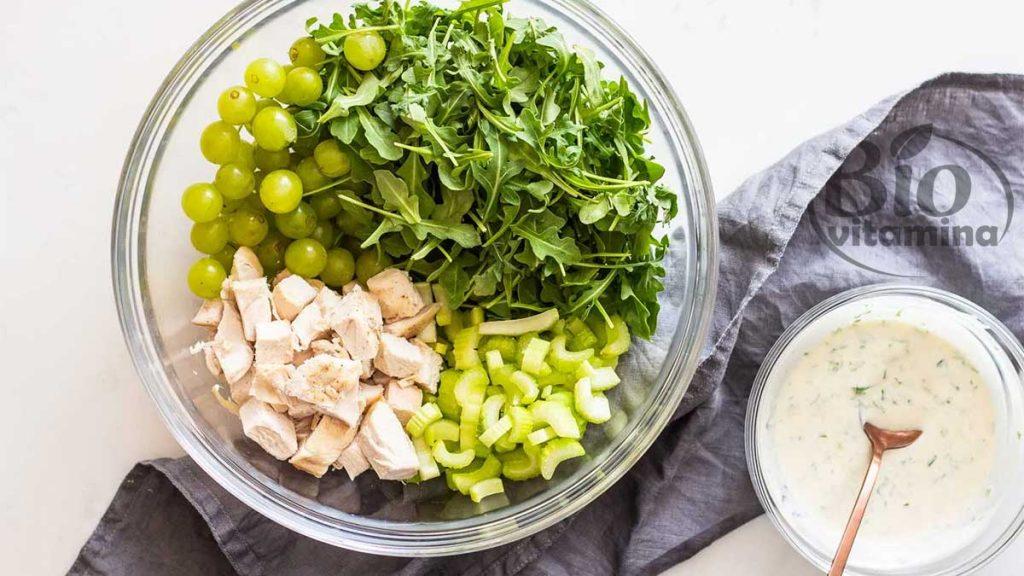 salata-pui-struguri-idealica
